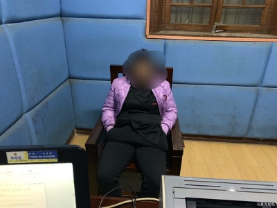 (有视频)试衣间内盗窃 警方迅速侦破