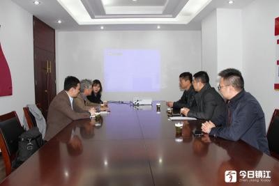 韩国眼光学产业振兴院代表团来丹阳交流访问