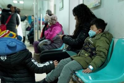 """秋冬季警惕儿童呼吸道疾病, 儿科专家支招让孩子""""顺利过冬"""""""