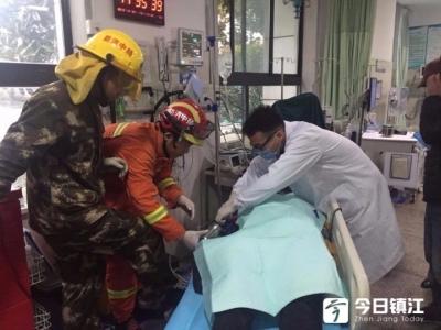 令人心痛!16岁少女帮忙灌装香肠,右手被卷入绞肉机……