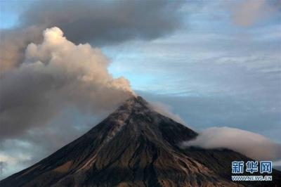 日本鹿儿岛新岳火山喷发 当地政府呼吁居民自主避难