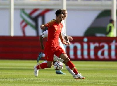 赢了!国足2:1反超吉尔吉斯斯坦 取得亚洲杯开门红