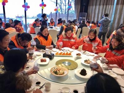 湖南浏阳:3年15万多份免费早餐 让环卫工人暖心暖胃