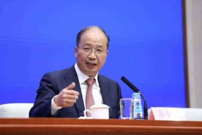 易会满任中国证监会党委书记、主席