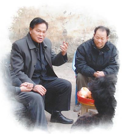 改革先锋风采重庆市奉节县移民局原副局长冉绍之——换条板凳坐坐 多替群众想想