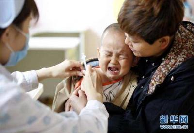 江苏一卫生院给孩子口服过期疫苗,官方回应:已封存,将开展补种工作