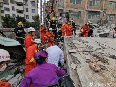 福州民房倒塌事件致3人死亡 涉事房主被控制