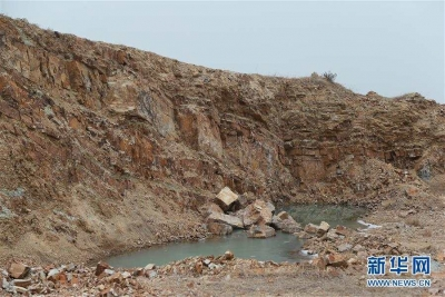挖掘机已推到汉墓中心20米!复垦项目咋成了挖山
