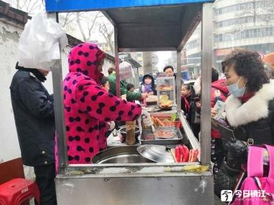 疑似食用不卫生手抓饼  镇江市区一小学生呕吐不止