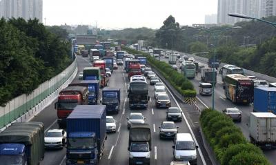 滚动路况丨江苏部分路段车流量较大,采取了限速、限车型、关闭收费站入口等交通管制措施