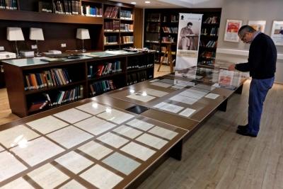 以色列希伯来大学公布110份爱因斯坦手稿