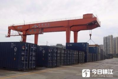 """""""两会""""减税降费振奋了镇江新区物流业"""