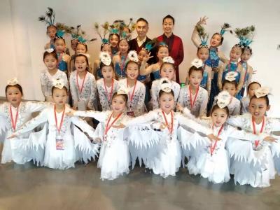 彩云舞蹈艺术团 让孩子在更广阔的舞台上翩翩起舞