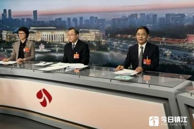 全国人大代表、市长张叶飞在京接受采访时表示: 重点围绕七大特色产业 抓出高质量发展新成效