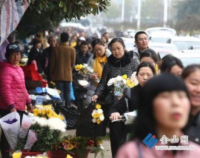 镇江市民政局召开清明节工作协调会 免费提供鲜花,倡导无烟文明祭扫