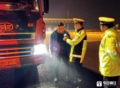 交警统一行动日又有6名司机酒驾被查