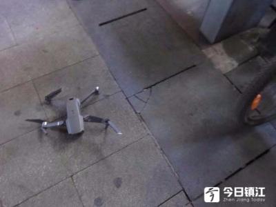 外卖小哥送餐 却撞上了无人机