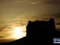大漠落日映阳关