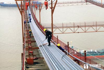 镇江长江大桥主缆施工任务过半 5月中旬可完工