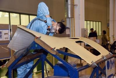菲舍尔全省首个飞机复合材料部件智能示范车间