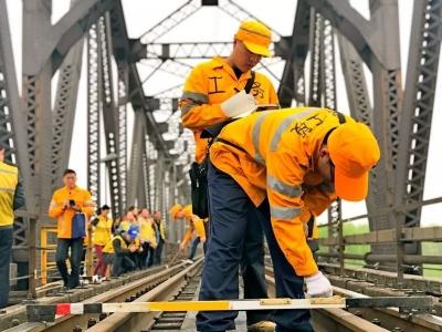 100多年前詹天佑参与设计的这座铁路桥,成了网红!