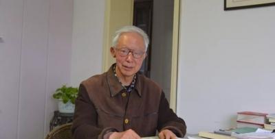 丹阳7旬老人,退休后坚持十多年写诗