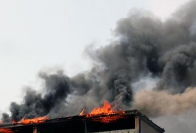 响水化工园区事故影响区内一公司仓库发生自燃,已扑灭