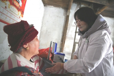 优化配置医疗资源 培育基层卫生队伍  聚焦民生,丁岗板块构建基层医健大格局