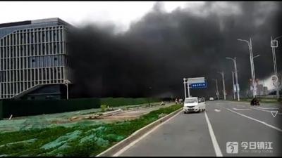 镇江高校园区共享区图书馆发生火灾 权威回复来了
