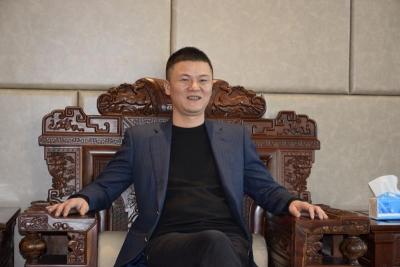 """温州人洪作东,36年的""""丹阳眼镜""""情缘"""