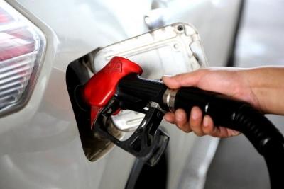 国内油价迎下调!加满一箱油少花3元