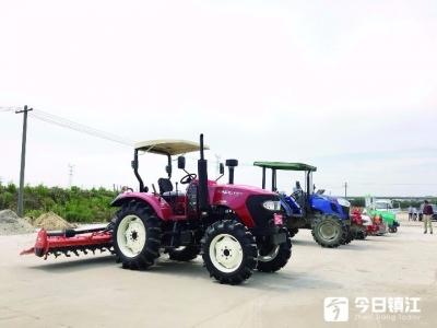 """镇江新区推广新型农业机械  水稻集中育秧正当时""""农机联盟""""来助力"""