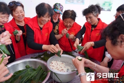 """暖心!端午节前,""""爱心粽子""""飘香社会福利服务中心"""