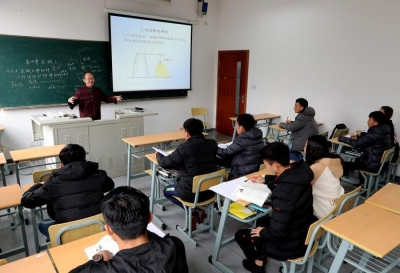 去年江苏教育经费总投入达2827亿元 56.2万人走出大学校门
