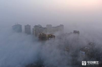 雨后迎来大雾 句容城俯瞰如仙境