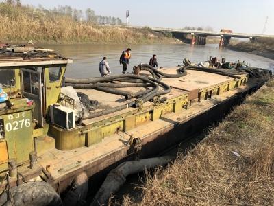 镇江一团伙非法盗采江砂4万吨  7人被移送起诉