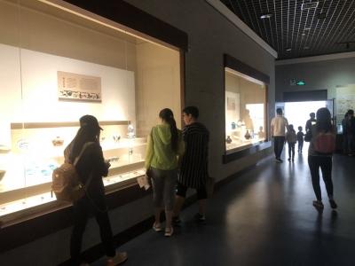 """齐白石作品展在镇江展出  博物馆成为""""打卡点"""""""