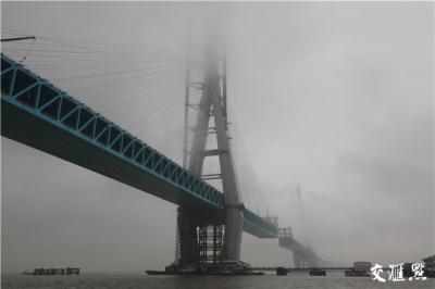 330米高沪通大桥主塔建成!预计明年6月全线通车