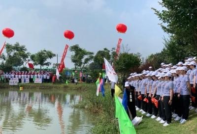 """丹阳12支代表队在司徒镇""""对党歌"""""""