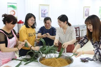 品味传统文化 传承廉洁基因