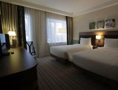 酒店不再主动提供一次性用品,节省成本后能否降一降房费?