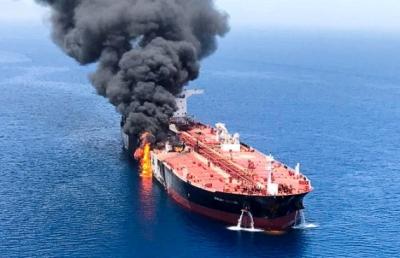 中东油轮遇袭推高海运保费