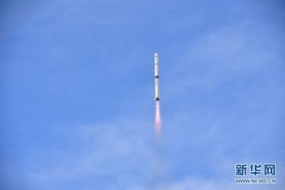 俄罗斯成功发射一颗军民两用通信卫星