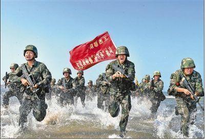 """习主席回信后,""""王杰班""""战士立起新标杆"""