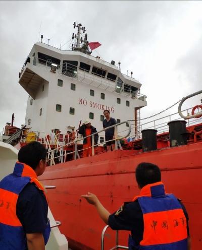 长江镇江段拦截航行船舶 226 艘次,镇江海事局多举措排查隐患