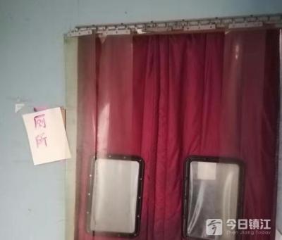 找个厕所很难吗?记者到东风步行街告诉你:确实难,毛病还多