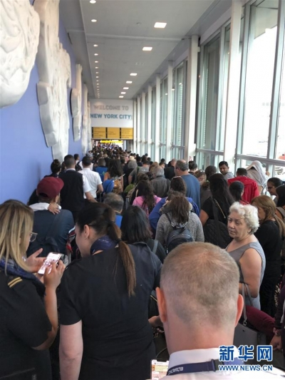 美国多个机场海关电脑发生故障 国际旅客大排长龙