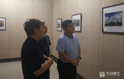 庆祝新中国成立70周年 镇江银行业来了一场书法美术摄影展
