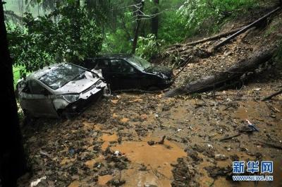 印度北部多地遭暴雨袭击已造成40多人死亡