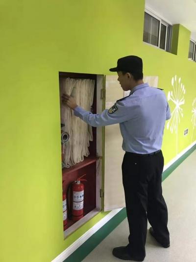 开学第一天,鹤林派出所筑牢校园安全网打造平安润州